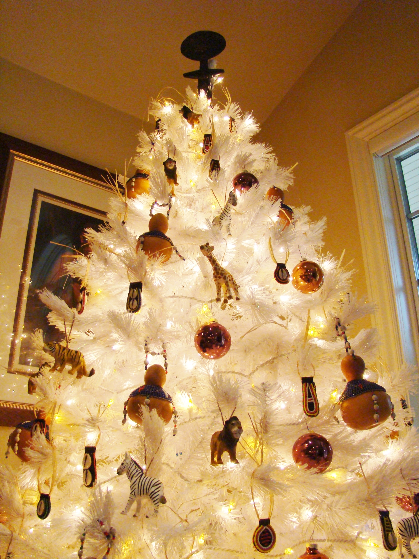 Fiorito Interior Design, interior design, Homes For The Holidays, African, holiday tree, ornaments